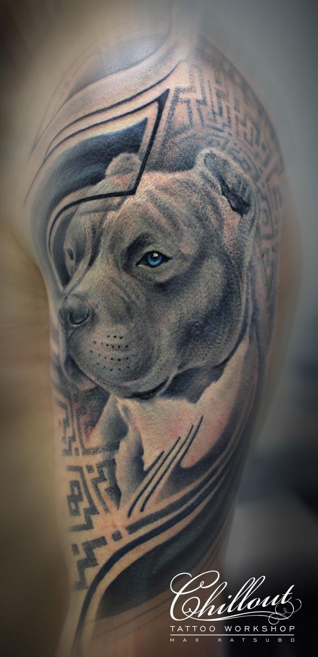 Татуировка орнамент и собака