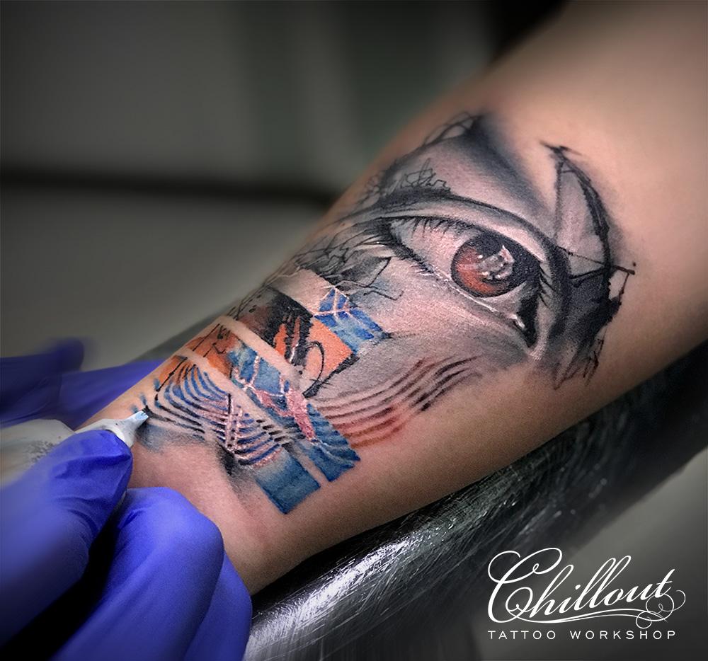 Татуировка глаз на руке