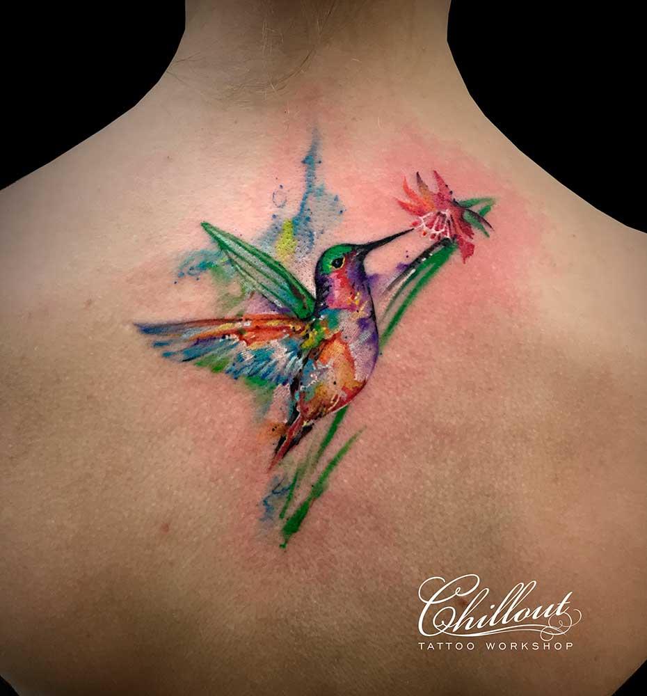 Татуировка колибри акварель