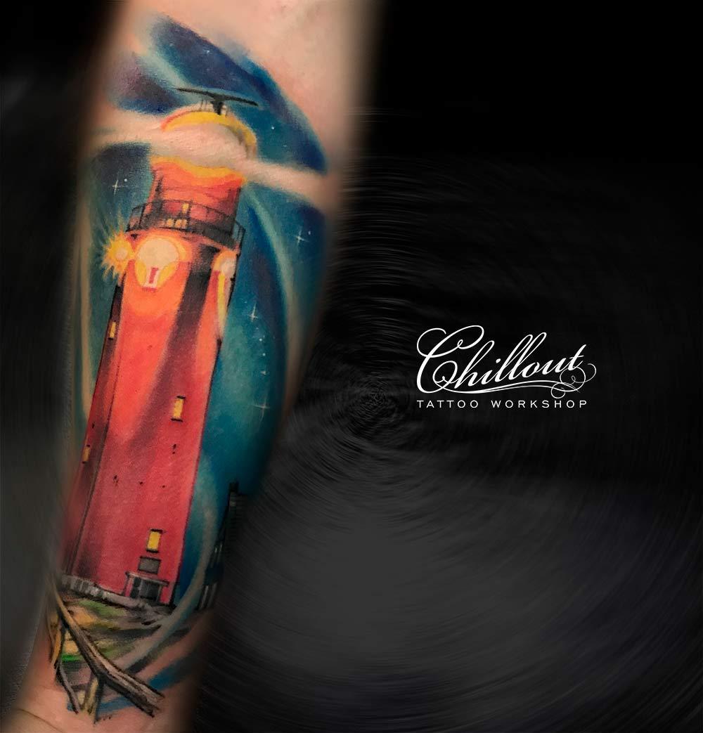 Татуировка маяк на руке. MAIAK-NIKITA