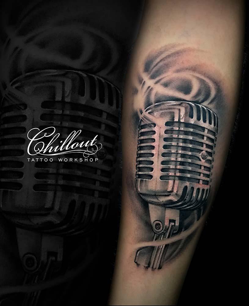Татуировка Микрофон на Руке