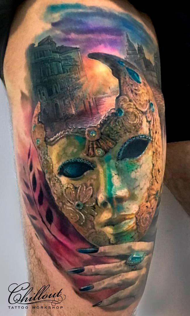 Татуировка рассвет и венецианская маска