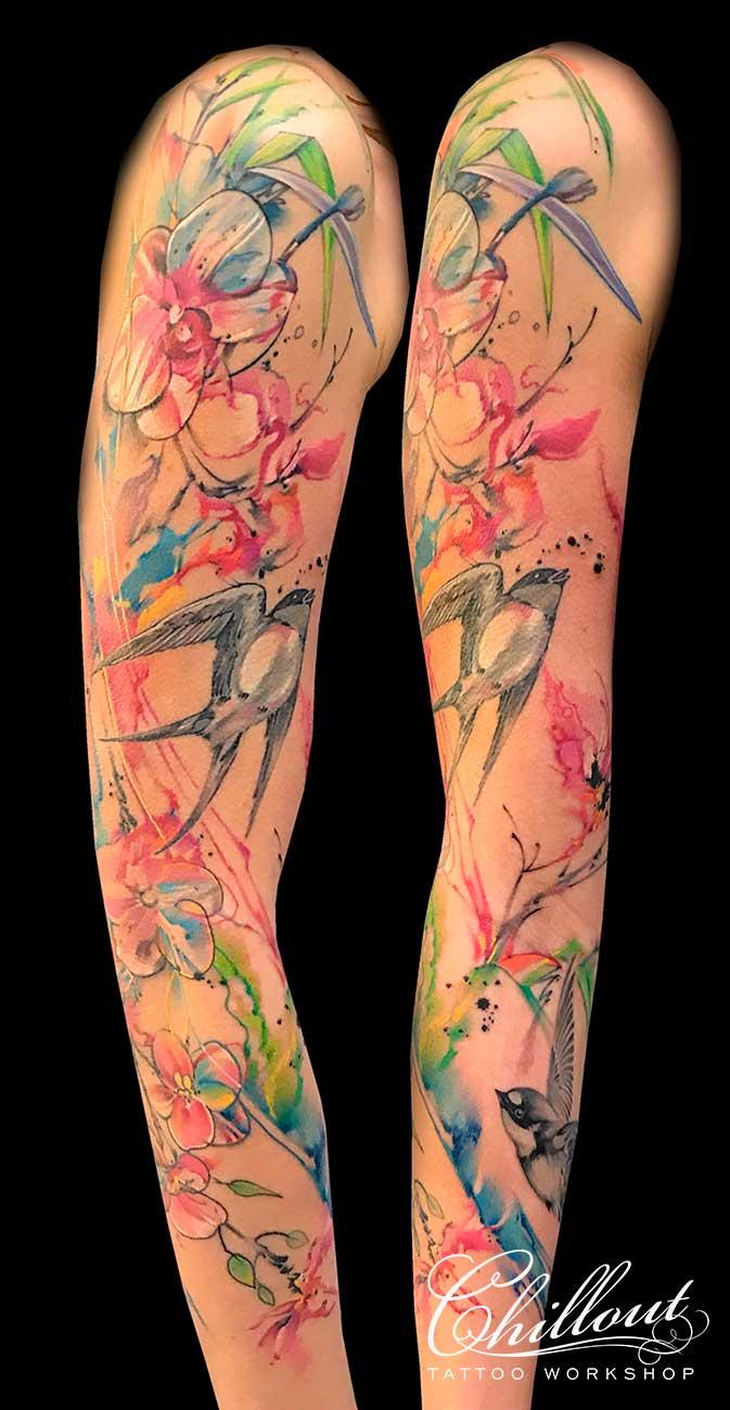 Тату рукав цветы и ласточки акварель