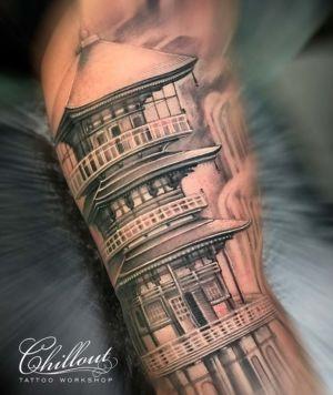 Татуировка Китайский храм на руке