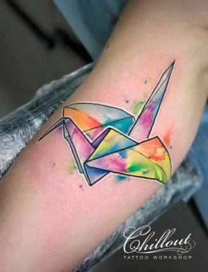 Татуировка оригами журавль акварель