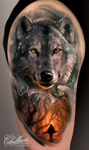 Татуировка Волк, лес, тьма.